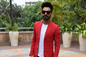 'No competition with my brother Ayushmann Khurrana': Aparshakti