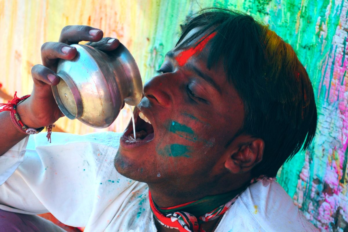 5 Holi drinks for you, all inspired by the Festival of Colours