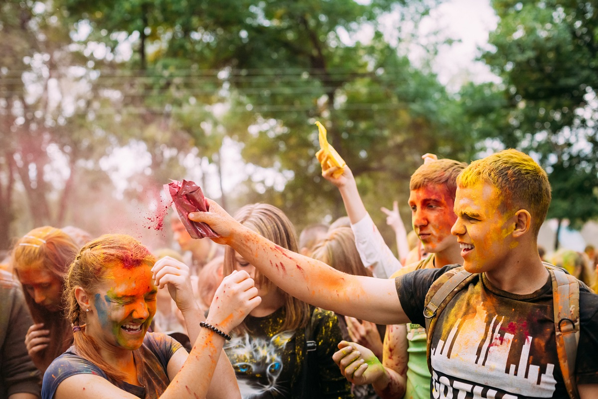 5 apps to help you plan Holi holiday