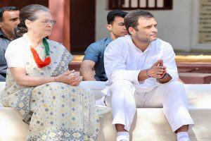 Rahul Gandhi, Sonia, Priyanka in Gujarat for Congress Working Committee meet, attend prayers at Sabarmati