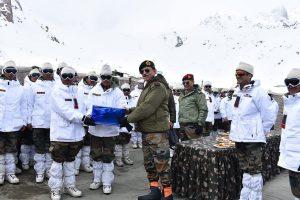 Lt General Joshi visits forward locations at Siachen Glacier