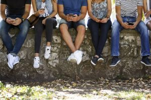 Smartphones: Addiction and gaze