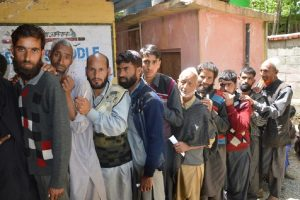 Amidst stone pelting, poor polling reported in Kulgam district of Anantnag seat