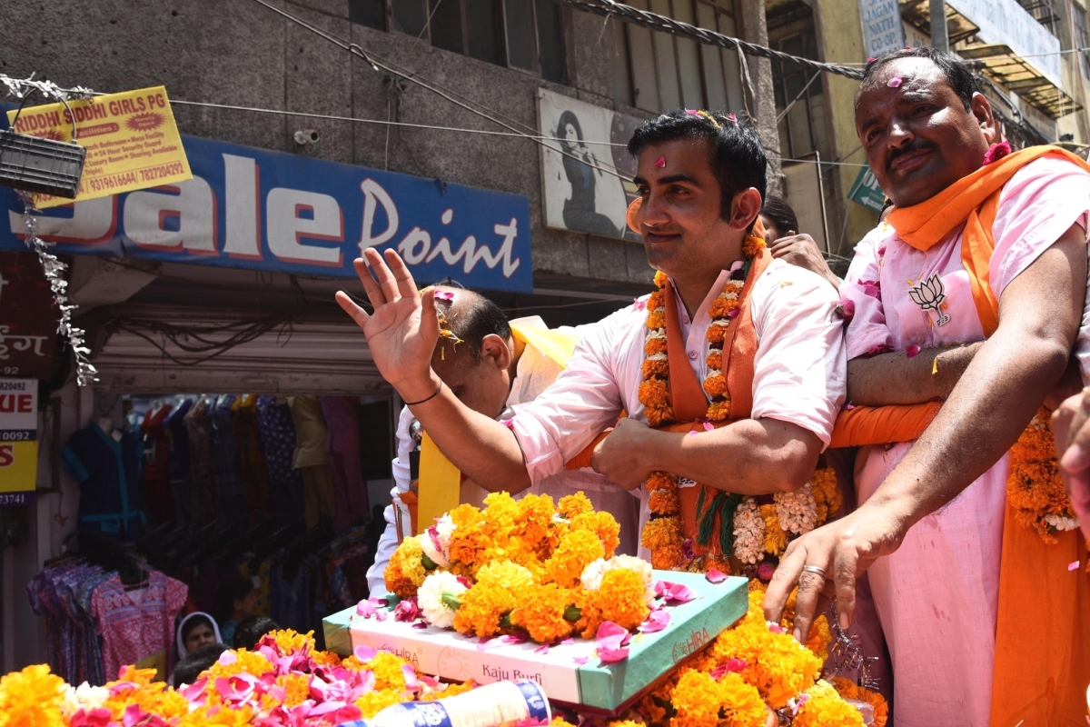 Negative politics, Gautam Gambhir, AAP, Voter ID card