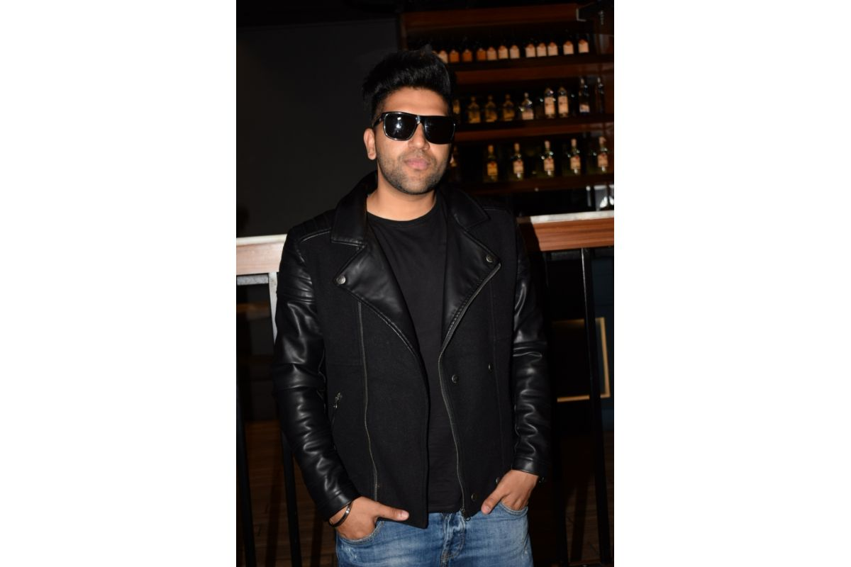 """Guru said Pitbull knows about India, he has performed in our country and we have a lot of his fans,"""" added the """"Lahore"""" famed singer, who has also sung tracks like """"Tu meri rani"""", """"Suit suit"""", """"Patola"""", """"High Rated Gabru"""""""