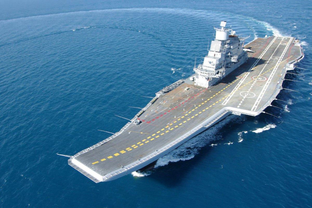 Indian Navy, Fighting fire, INS Vikramaditya, Karnataka
