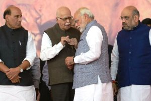 Those who disagree with BJP are not 'anti-nationals', 'enemies': LK Advani