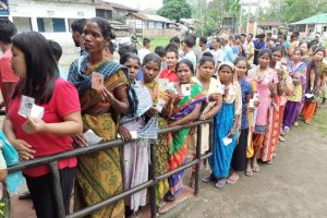 Lok Sabha elections: Poll violence in parts of Bengal, Spl Observer says things 'peaceful'