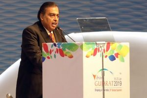LS polls | Mukesh Ambani endorses Congress' Milind Deora as brother faces party wrath