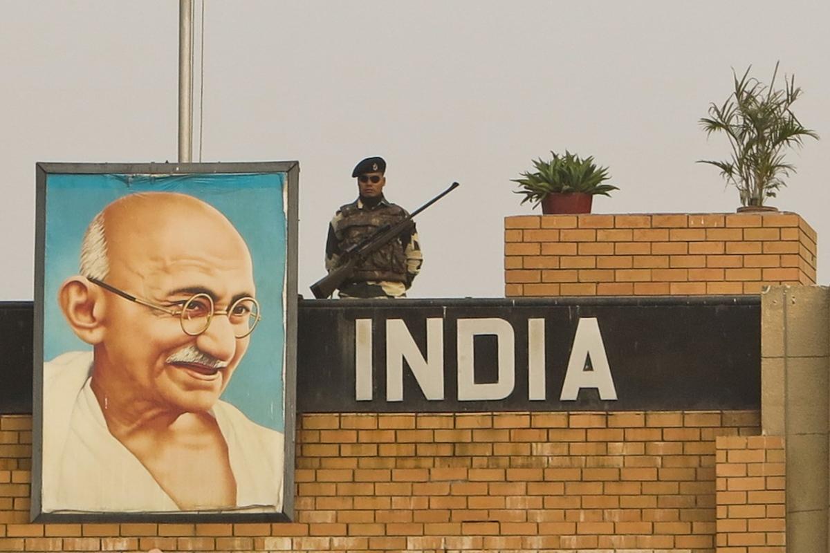 Mahatma Gandhi, Satyagraha, Soul, Non-violence