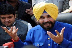 One wrong vote can make your children chaiwala, chowkidar: Navjot Sidhu's jibe at PM Modi