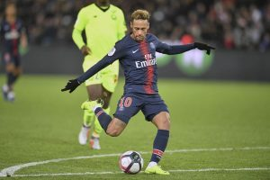 Neymar says he was wrong to hit fan after French Cup-final defeat