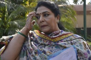 Twitterati question photo showing Renuka Chowdhury using mobile phone inside polling booth