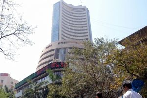 Sensex ends higher ahead of Q4 results