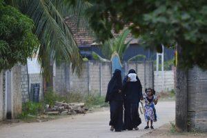 Week after blasts, Sri Lanka bans all face coverings including burqa