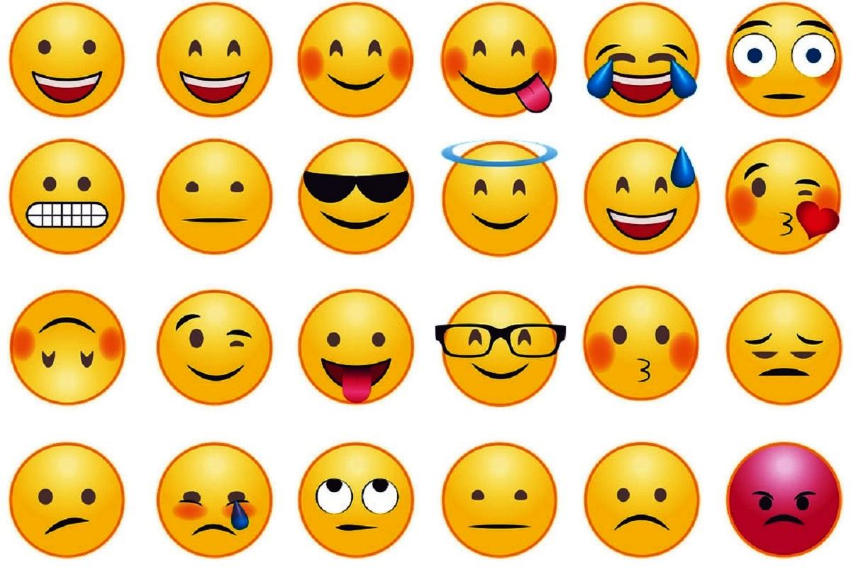 WhatsApp, Facebook, iPad