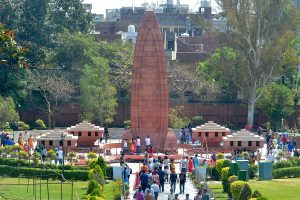 100 years of Jallianwala Bagh Massacre: PM, President, Rahul Gandhi pay tributes to martyrs