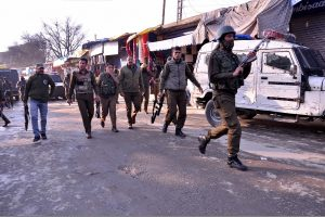Incidents of stone pelting near polling stations reported from Kulgam