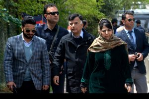With 'stigma' of having brought BJP & RSS to Kashmir, Mehbooba faces uphill task in Anantnag