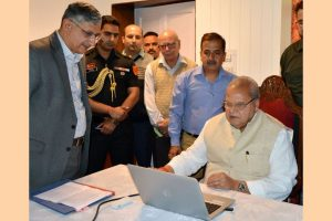 J-K Governor inaugurates online registration for Amarnath Yatra 2019