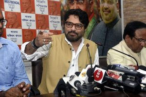 'Go back' slogans raised against BJP candidate Babul Supriyo