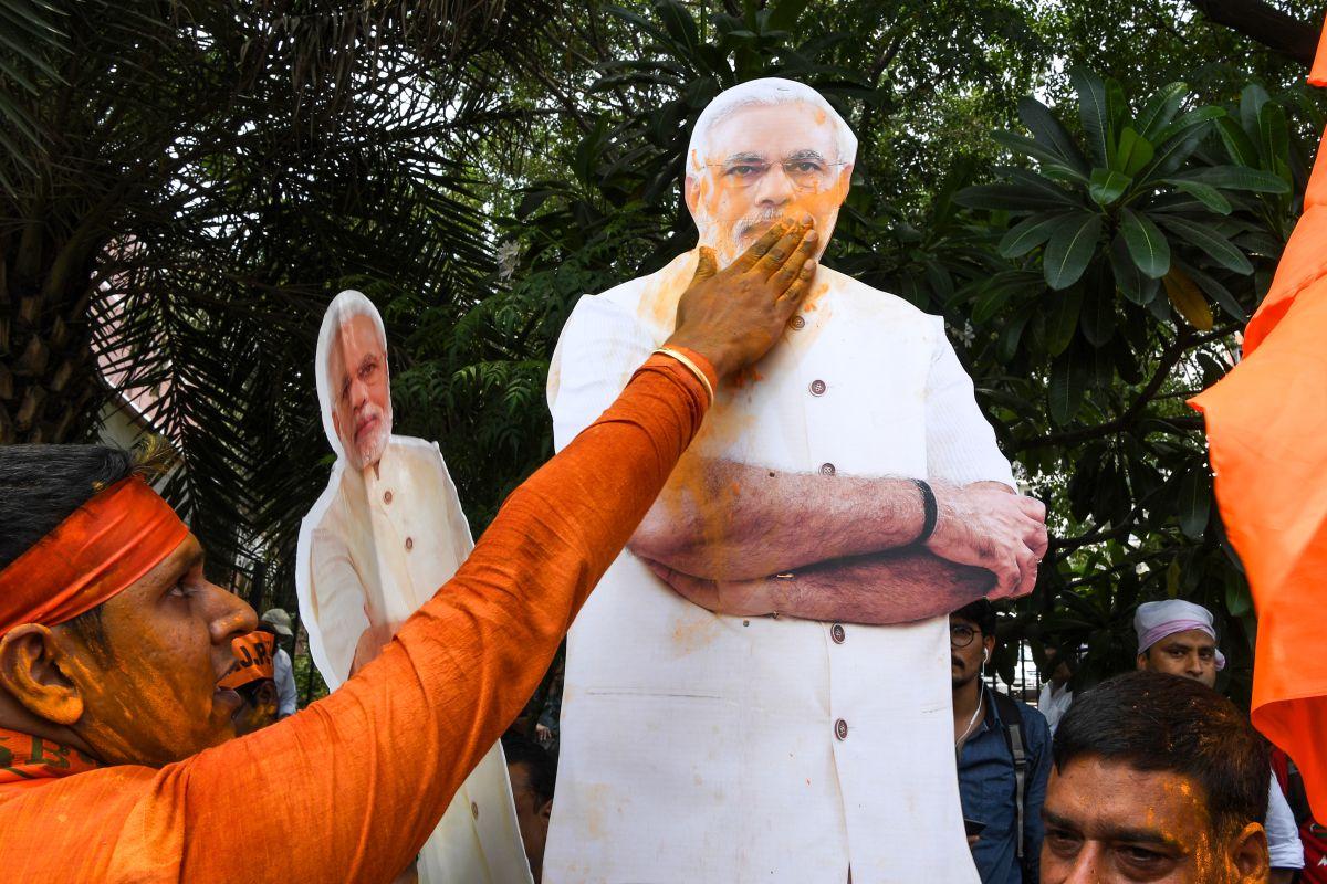 Surge of Populism, Chandrababu Naidu, Narendra Modi, Ramachandra Guha, Lal Bahadur Shastri