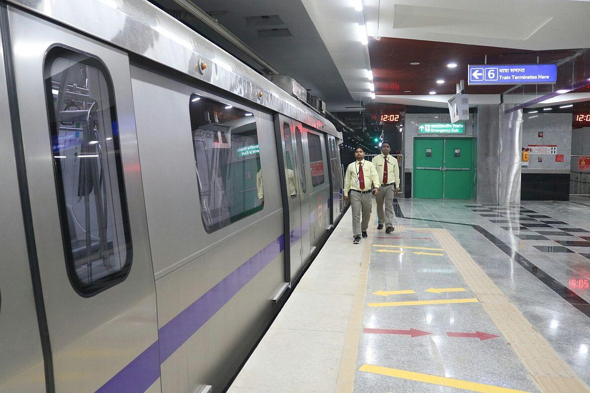 Man arrested, Delhi Metro, Chawri Bazar station, Live bullets