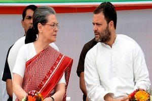 Sonia, Priyanka meet Rahul Gandhi as Congress stares at massive defeat