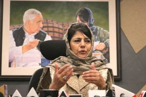 Mehbooba Mufti wants India to initiate dialogue with Pakistan on Kashmir issue