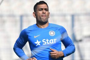 MS Dhoni ensured no player was late for training: Paddy Upton