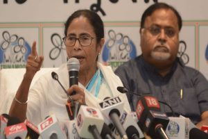 BJP trying to create divide between Bengalis and non-Bengalis: Mamata