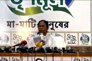 Mamata Banerjee offers to resign as West Bengal Chief Minister, blames EC for losses