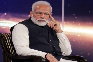 PM Modi claims he used digital camera, email in 1987-88