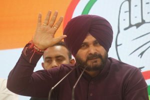 LS polls | Navjot Sidhu damages his vocal cords after 80 rallies in 28 days, put on steroids