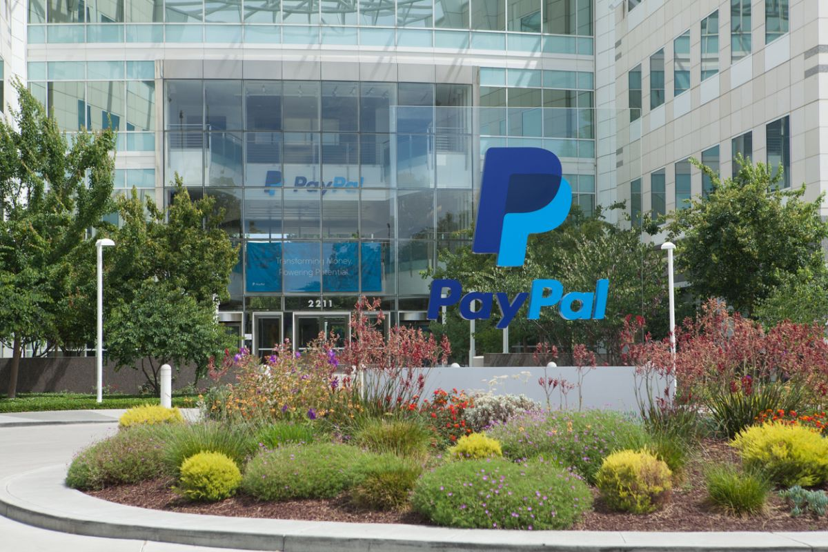 PayPal will not come to Pakistan despite the government's efforts to convince the American company, which operates a worldwide online payment system that supports online money transfers, to introduce its services in the country, said a senior official.
