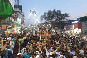 Priyanka Gandhi holds mega roadshow in Varanasi