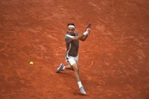 French Open 2019: Federer returns with easy win, Kerber knocked out