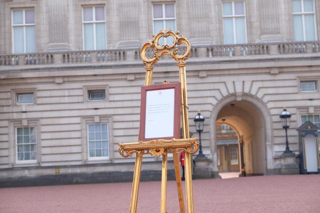Royal baby, Prince Harry, Meghan Markle, royal fans, royal baby celebrations, Windsor Palace, Buckingham Palace,