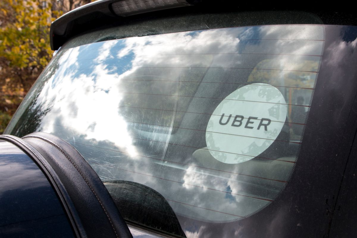 Ride hailing major Uber is in a tight spot after retired Uttar Pradesh Director General of Police Sulkhan Singh registered a case of forgery against the cab company.