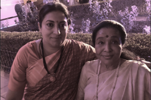 'Stranded' Asha Bhosle thanks Smriti Irani for help