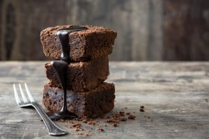 How to make delicious and fluffy chocolate brownies at home?