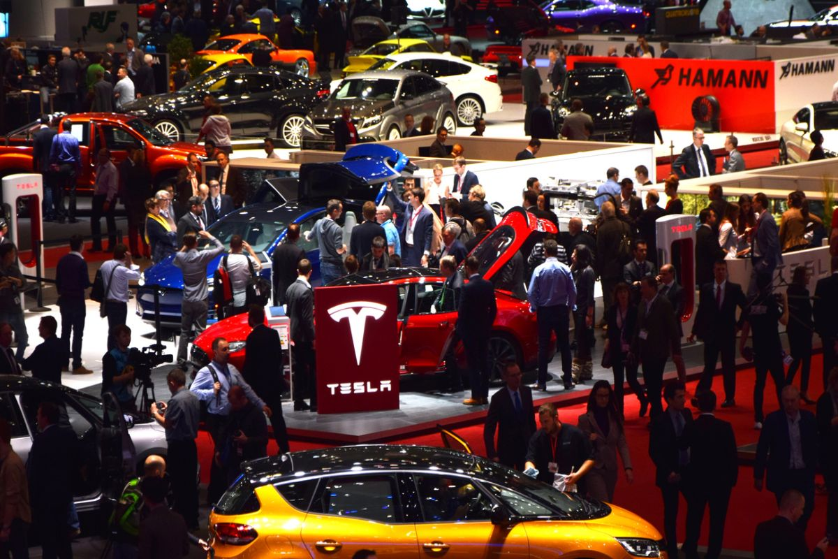 Musk to personally examine, review all Tesla expenses