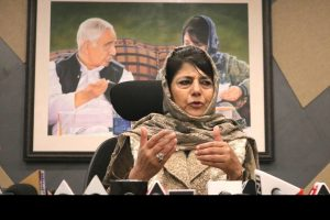 Mehbooba urges centre and terrorists to observe ceasefire during Ramadan