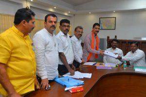 Godse murdered 1, Rajiv Gandhi killed 17,000, who's crueler: Karnataka BJP MP's shocker