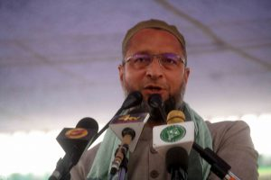 Desperation showing on PM Modi's face, says Asaduddin Owaisi, bats for Federal Front