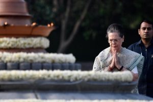 Gandhis, PM Modi, other leaders pay homage to Rajiv Gandhi on 28th death anniversary