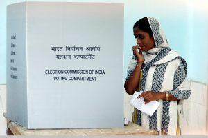 Amethi, Rae Bareli, Lucknow likely to grab most eyeballs on Monday