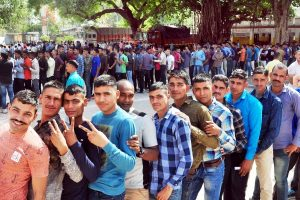 UP records moderate voting till 5 pm, 'high profile' Lucknow, Rae Bareli, Amethi too witness average turnout