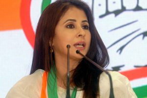 Urmila Matondkar of Congress alleges signature mismatch on EVM form