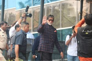 Big B starts shooting for 'Gulabo Sitabo' in Lucknow